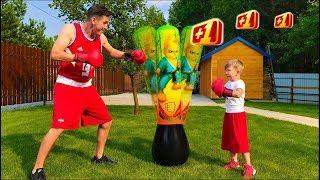 Сеня и Папа играют в ВОЛШЕБНЫЕ Спортивные игры