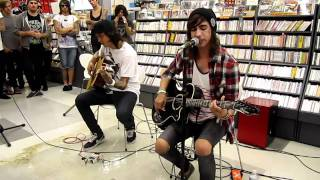 Yeah Boy And Doll Face - Pierce The Veil acoustic show in Japan