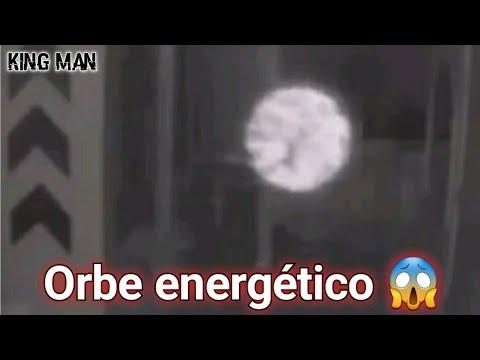 Espectacular Orbe energético en el interior de una casa es grabado con cámara de seguridad
