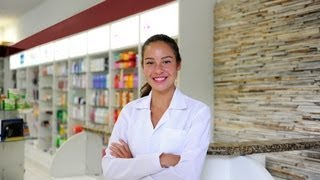 Steps to Becoming a Pharmacist thumbnail