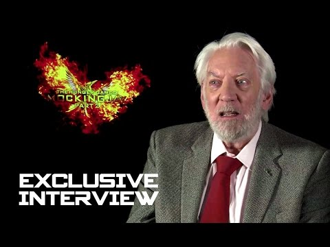 Donald Sutherland Exclusive INTERVIEW - Hunger Games: Mockin