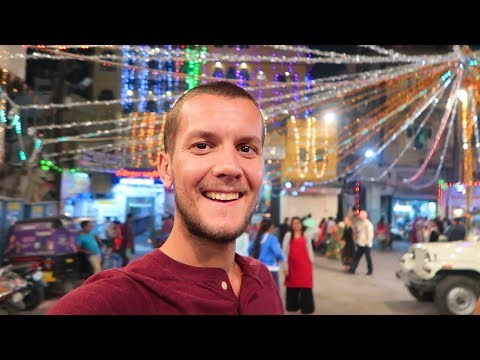 DIWALI! 🇮🇳 FOREIGNERS CELEBRATE INDIAN FESTIVAL OF LIGHTS IN UDAIPUR (Amazing Experience)