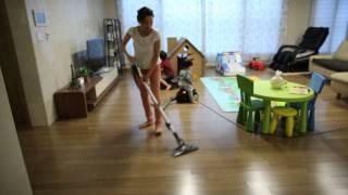 아에게(AEG) 버블 청소기 사용 모습
