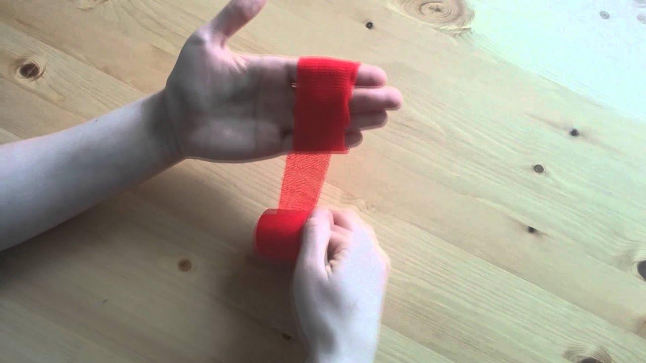 Пеха-Хафт красного цвета видео обзор самофиксирующегося бинта .