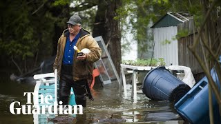Michigan dam failures force thousands to flee flooding