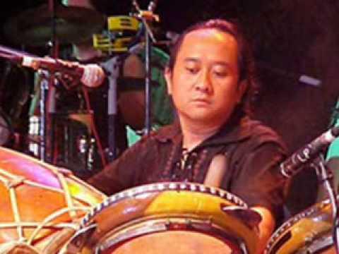 KERAGUAN - Trie Utami & Krakatau Band