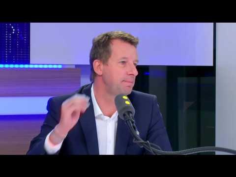 """""""Aujourd'hui c'est impossible de travailler avec François hollande"""" Y.Jadot"""