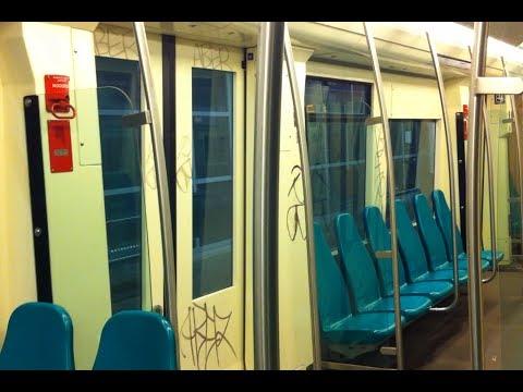 Ret metro rijtuig 5352 ernstig onder graffiti in het for Metro interieur