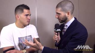 Anthony Pettis: Recent Injuries Forced Him to Deal With Father's Death Video
