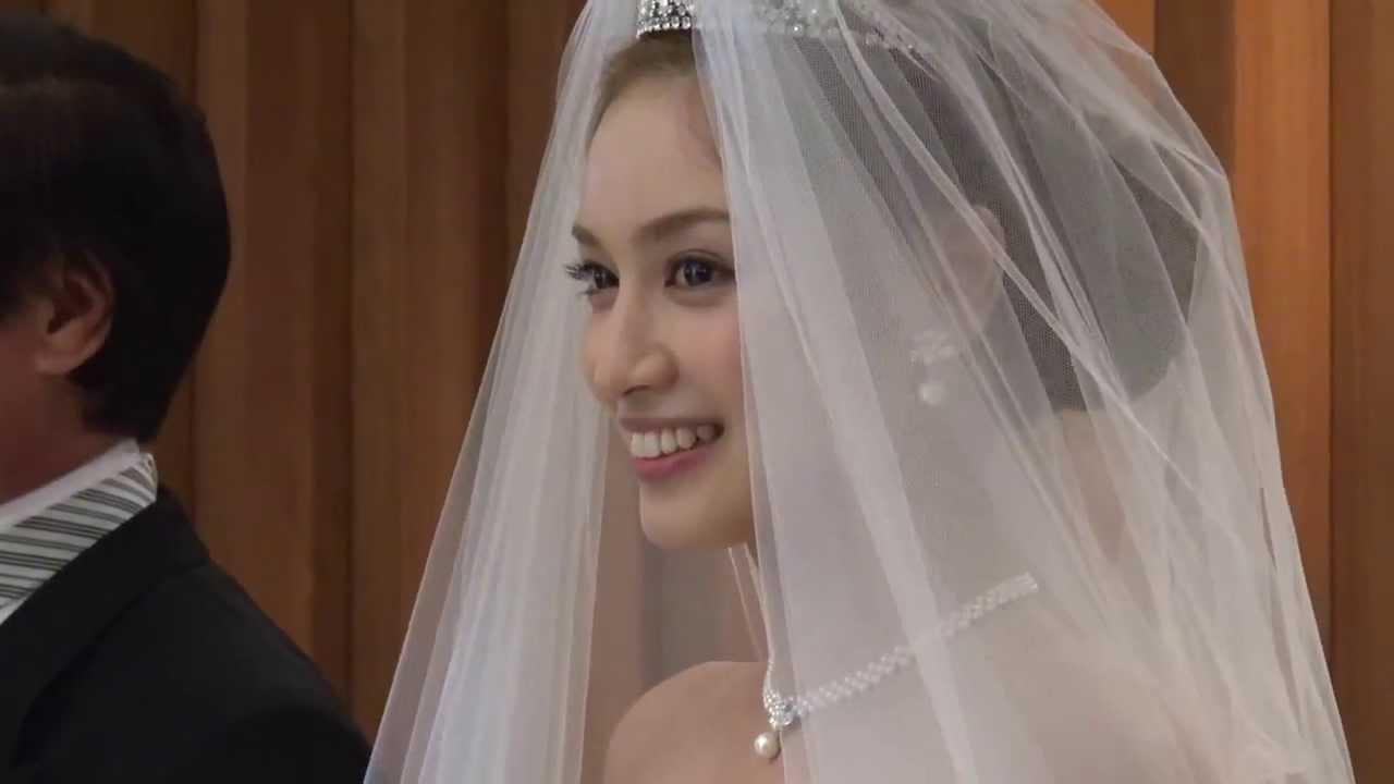 平愛梨 ブライダルフェアでウエディングドレス姿を披露!(2013/5/12) , YouTube