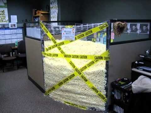 awesome work office cubicle pranks youtube