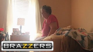 Download Video PORN PRANK ON SLEEPING GRANDMA! MP3 3GP MP4