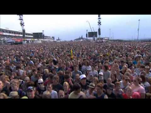 Hurts - The Water (Intro) + Confide In Me (Live @ Rock am Ring 2011)
