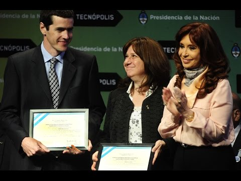 05 de OCT. Videconferencia con Chilecito, Av Gral. Paz, y Puerto Deseado. Cristina Fernández
