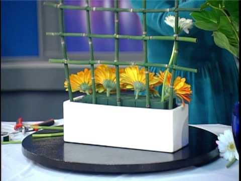 Floral Design - Nghệ Thuật Cắm Hoa:  Lẵng Hoa Ô Carô (Tic Tac Toe Style)