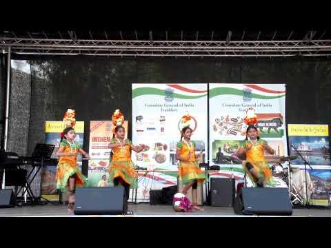 Balagokulam #1, performance by children