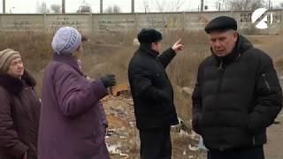 Жители астраханского микрорайона погрязли в болоте