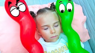 Elina Pretend Play with Baby Baloons Video for kids