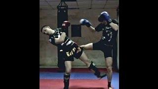 Тайский бокс Уроки - Жесткое высекание ноги после прихвата