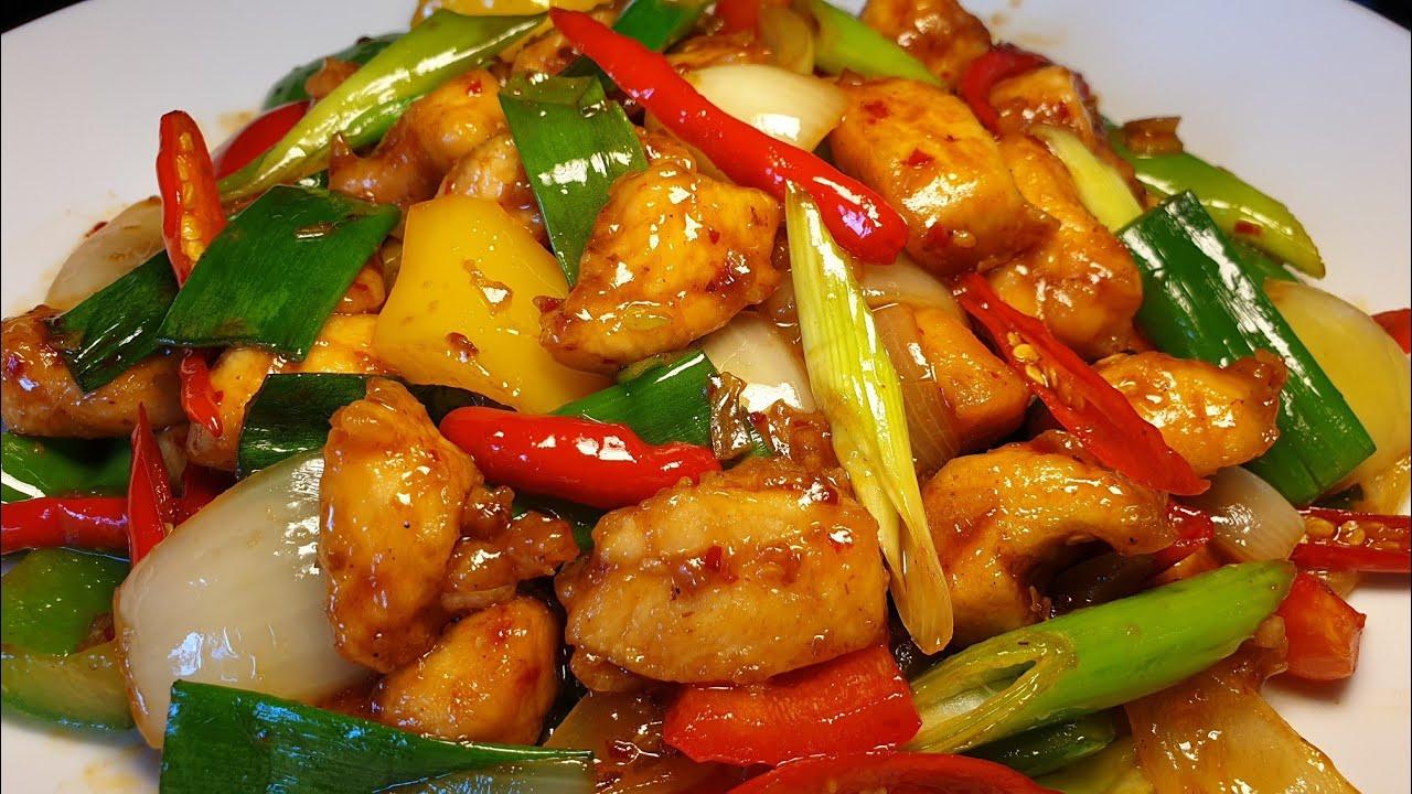 ไก่ผัดน้ำพริกเผา | Stir fried chicken with roasted chilli paste | Thai food