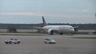 united first business class boeing 787 dreamliner 737 900 and q400 takeoff and landings