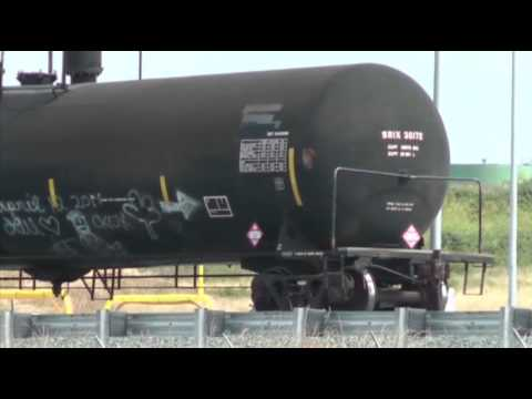 Oil Shipments by Rail to Expand Despite Concerns