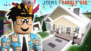 BUILDING A BLOXBURG HOUSE BUT WITH ITEMS I BARELY USE... I do not like this at all