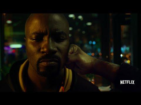 Vidéo Marvel's Luke Cage - Nouvelle bande-annonce (VF)  Luke Cage - Bande-annonce officielle (VF)  Adaptation et direction Artistique Marc SAEZ