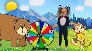 Nadia play with a magic wheel and shows animals