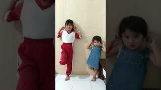 Lagi Viral. Kakak beradik dihukum mamanya gara-gara berantem, lucu dan ngakak.. #Wajibtonton