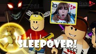 Roblox SLEEPOVER! L'ours de sécurité nous gardera en sécurité! - Jeux RadioJH