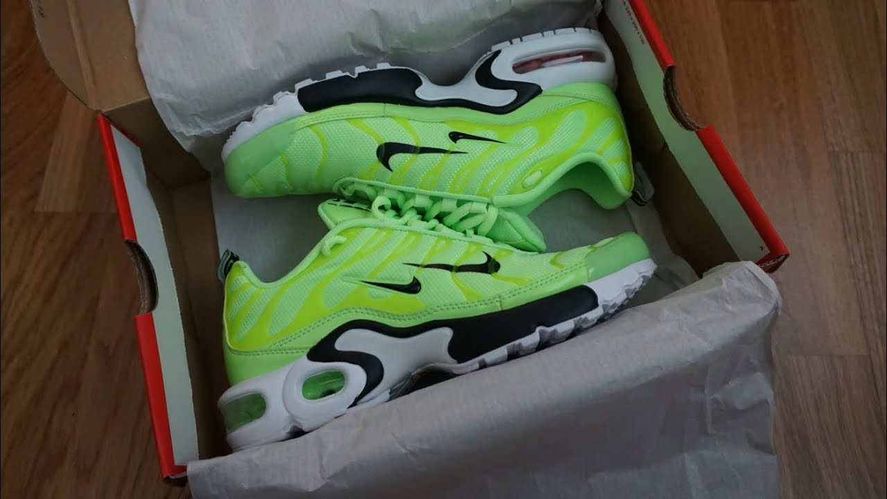 official photos 23e8c 44330 NIKE AIR MAX PLUS PREMIUM TN   Unboxing   On Feet  NikeTN JUNIOR size