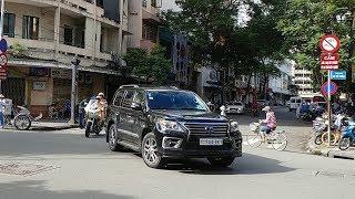 CSGT mở đường đoàn xe sang Lexus, Range Rover gần 60 tỷ biển tứ quý được tới lãnh sự quán Campuchia