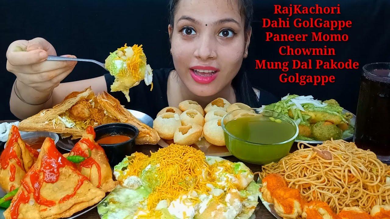 Eating Raj Kachori, Dahi Golgappe, GolGappe, Chomwin, Paneer Samosa, Mung Dal Pakode, Pattie, Momo