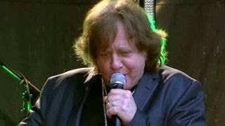 Eddie Money performs 'Take Me Home Tonight'