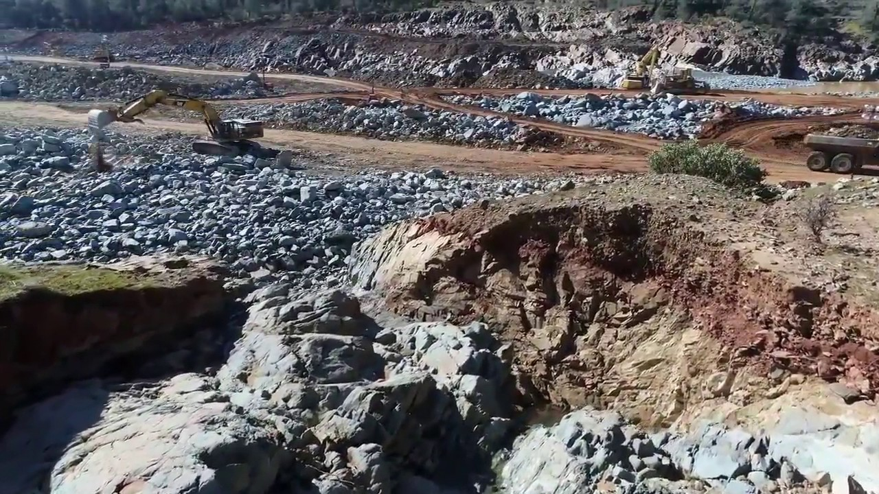 Oroville Dam Spillway Amazing Close Up Footage of The Damage And Clean Up  Progress Race Against Time