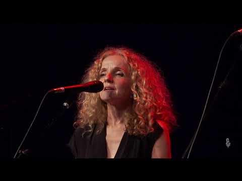 Patty Griffin &  John Smith - Knockin' On Heaven's Door (Live On ETown)