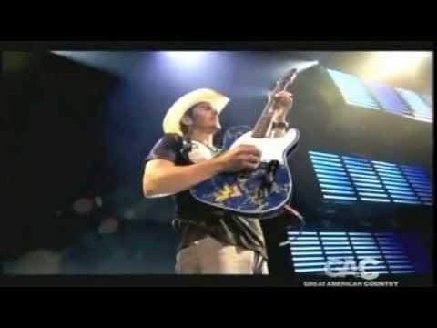 Brad Paisley Live Concert
