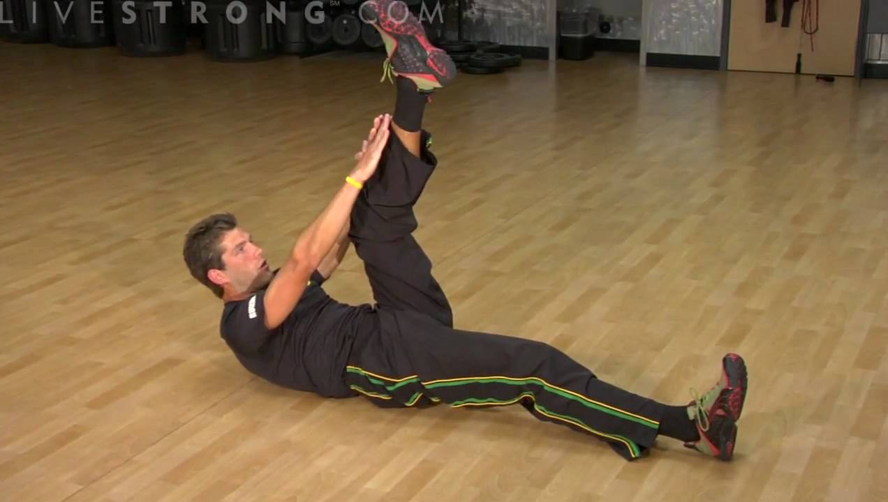 How to Do Vertical Leg Crunches - YouTube