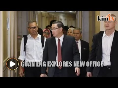 Finance Ministry Lim Guan Eng explores new office