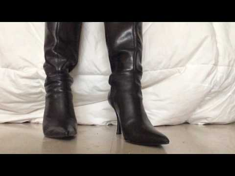.::ASMR::. Toe tapping with pointed leather boots *{No talking}*