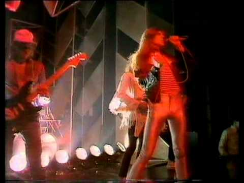 Saxon - And The Bands Played On. Top Of The Pops 1981
