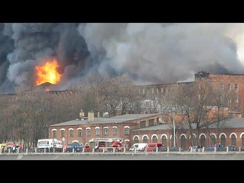 فيديو: حريق كبير في مصنع تاريخي للنسيج في سانت بطرسبرغ