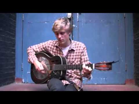 Johnny Flynn -  Been Listening (In the Courtyard)