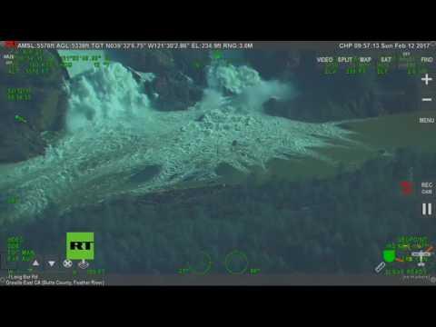 Impactantes videos de la fuga de agua de la presa más alta de EE.UU