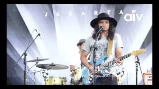ASIA INDIE VIDEO (AIV CANDID 19A) - GUGUN BLUES SHELTER (LOVE YOUR LIFE)