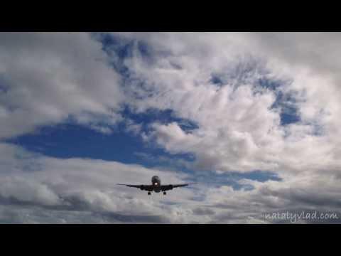 Острова Кука - Споттинг - Самолет пролетает прямо над головой