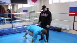 Владимир Минеев  Алмазный кулак для Тайского бокса