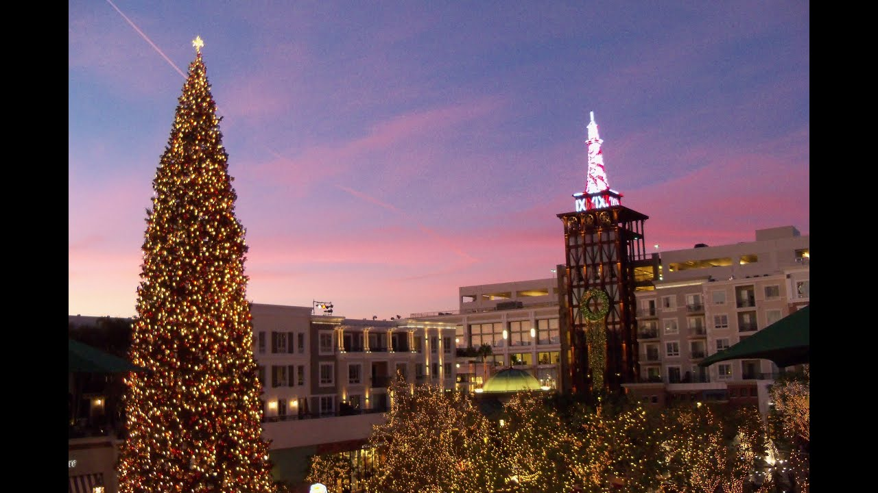 Americana At Brand >> A Walk Around the Americana At Brand, Glendale At Christmas Time - YouTube