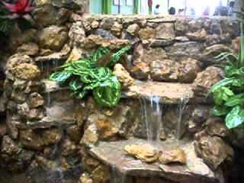 Cascada con mural academia carrusel cali youtube for Cascadas de piedra para jardin
